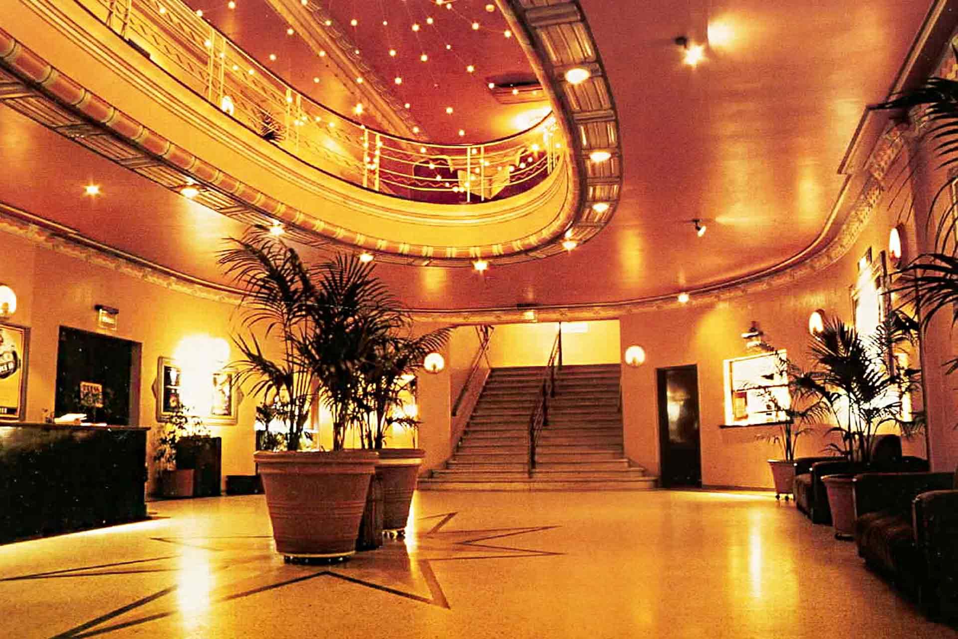 Astor@Cinema Lounge
