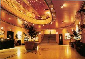 astor-main-foyer-festoon-lights